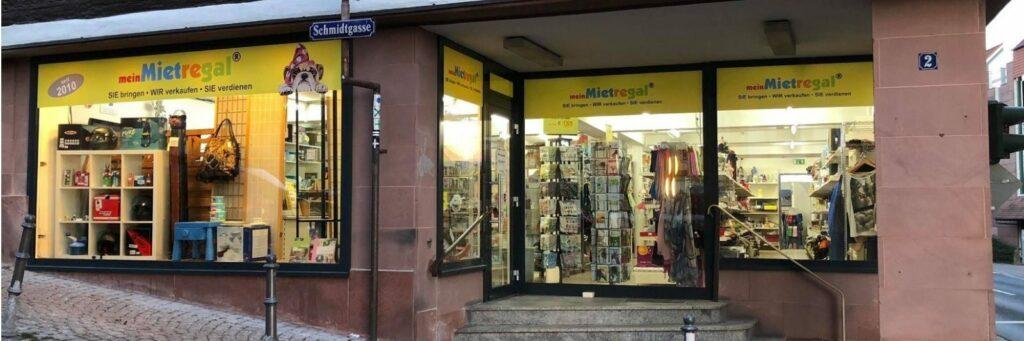 """Auch in Gelnhausen sind wir vertreten, dort im """"meinMietregal"""". Hier gibt es einige unserer Artikel zu kaufen."""