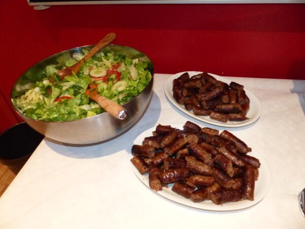 Auch sehr gut geeignet ist unsere Bratwurst als Finderfood. Dazu ein Salat? Probieren Sie es selbst.