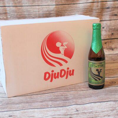 Wir freuen uns, Ihnen das original ghanaische DjuDju Bier anbieten zu können! Hier haben wir das Palm-Lager ohne Frucht