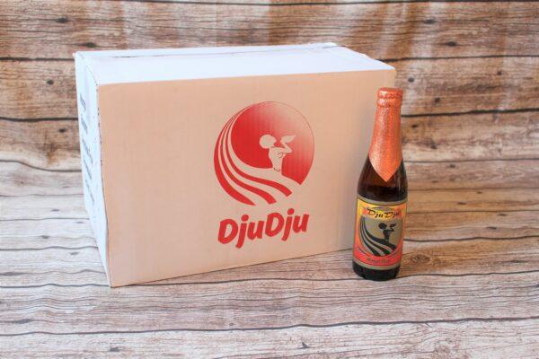 Wir freuen uns, Ihnen das original ghanaische DjuDju Bier Mango anbieten zu können! Mango ist mit seinem exotischen Geschmack ein sehr beliebtes Fruchtbier.