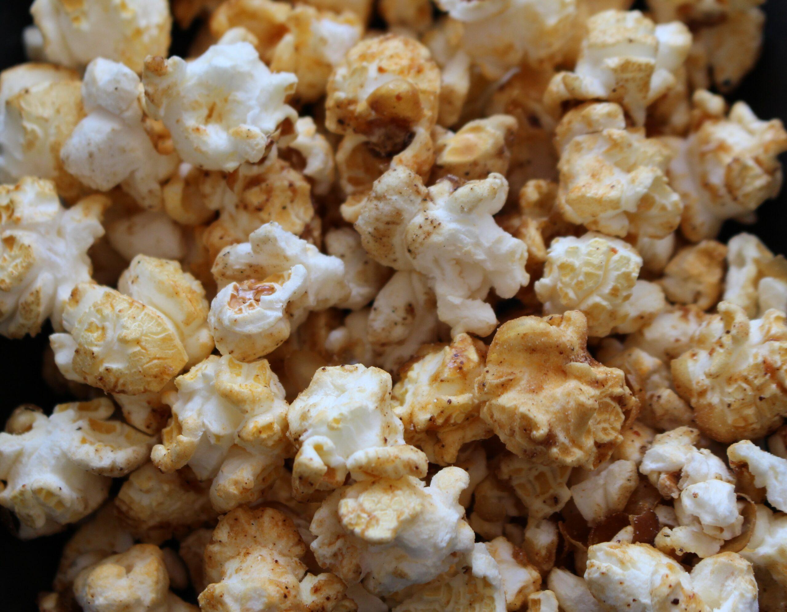 Popcorn fragen Sie? In Äthiopien gehört Popcorn zu jeder Kaffeezeremonie; nur das mit dem Berbere ist unsere Idee.