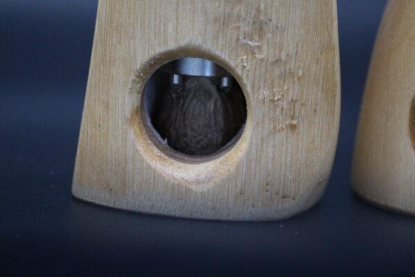 Ausgestattet ist diese Muskatnussmühle mit einem Präzisionsmahlwerk der Firma Strässler aus der Schweiz