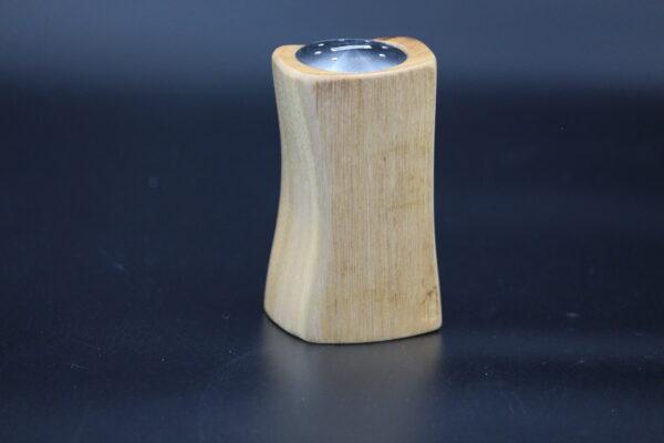 Hergestellt aus Eukalyptusholz, welches aus Äthiopien stammt.
