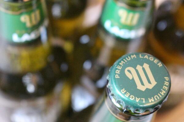 Eine grüne Flasche mit seinem unverkennbaren Verschluss.