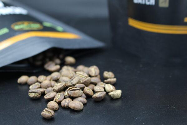 Der Rohkaffee findet seinen Weg von Äthiopien über Hamburg nach Nürnberg zu den Whiskyfreunden Noris ins vorbereitete Fass.