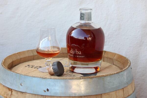 Wir freuen uns, den ersten namibischen Whiskey anbieten zu können!